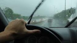 نکات مهم در مورد رانندگی در هوای بارانی
